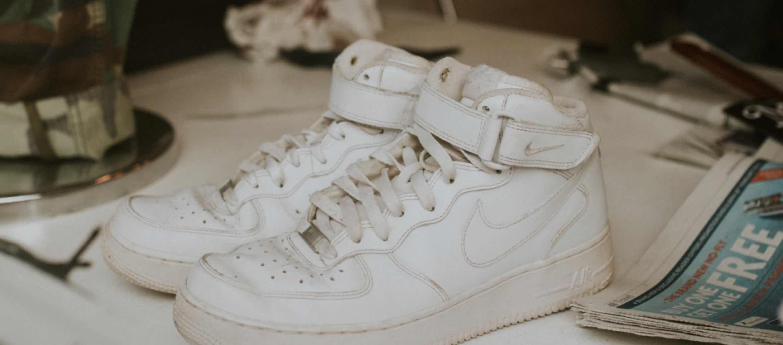 Jak czyścić białe buty skórzane na przykładzie AF1 Jak