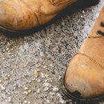 jak usunąć sól z butów skórzanych