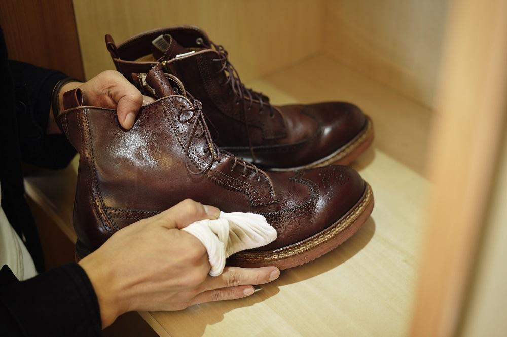 brązowe buty skórzane
