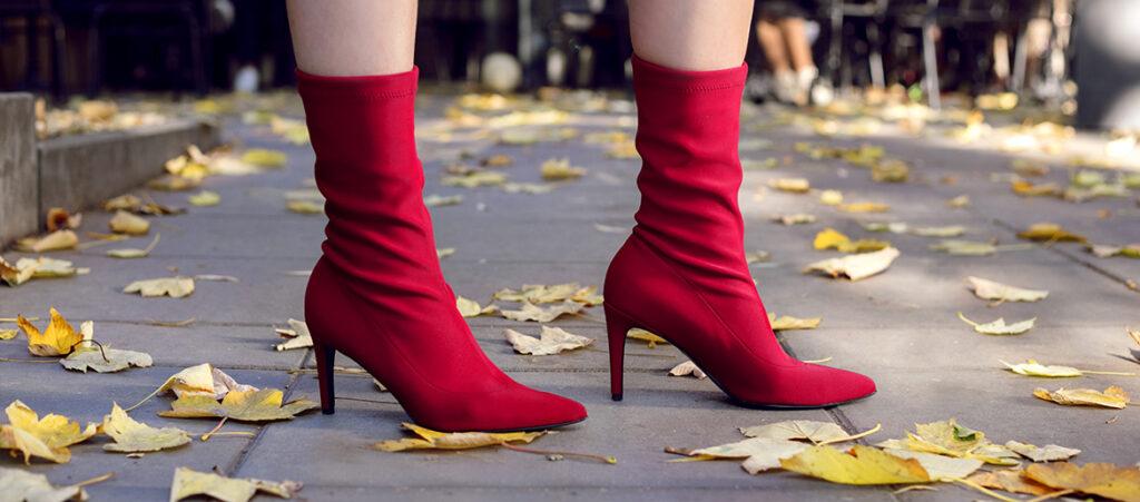 Czerwone botki damskie ze skarpetką