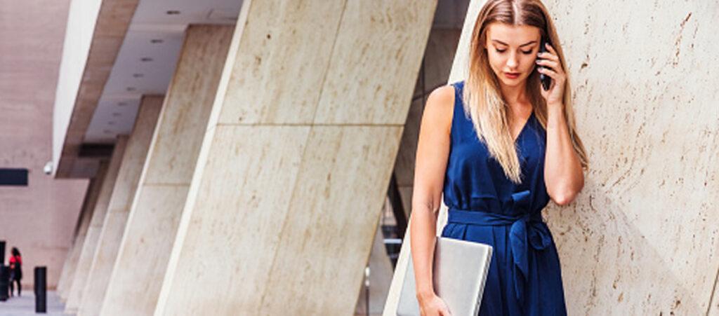 Buty Do Granatowej Sukienki Modele I Kolory Ktore Do Niej Pasuja Blog Eobuwie Pl