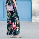 Szpilki z ćwiekami w modnych stylizacjach