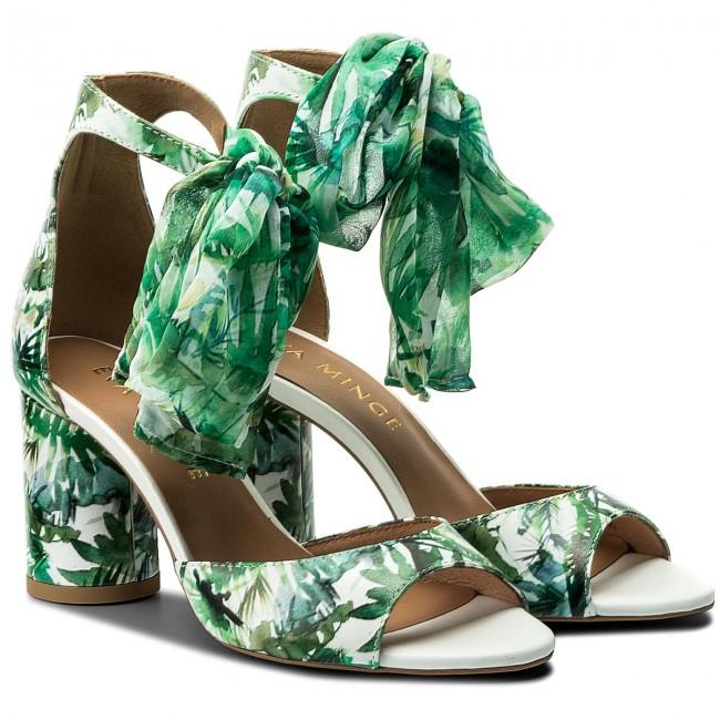 sandały na obcasie Eva Minge w stylu miejskiej dżungli