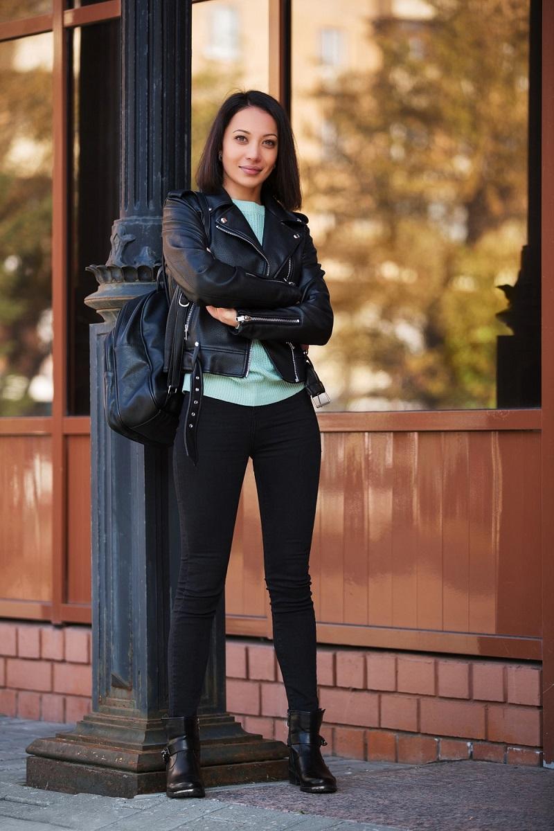 Jakie Buty Do Kurtki Skorzanej Stylizacje A La Dziewczyna Motocyklisty Blog Eobuwie Pl