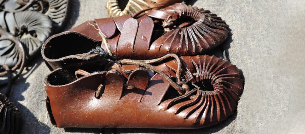 starożytne sandały