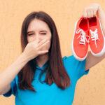 Zapach stęchlizny w butach
