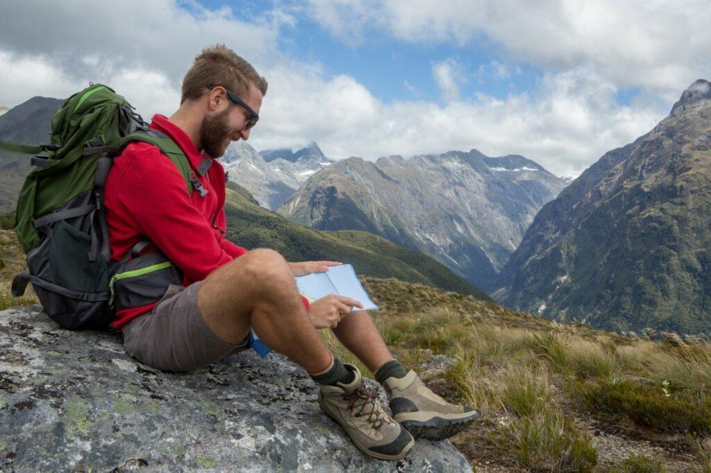 Buty trekkingowe i skarpetki w góry