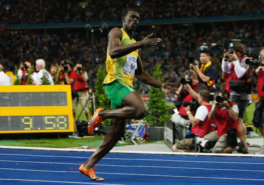 Usain Bolt biegnie po rekord świata na 100 metrów