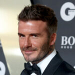 David Beckham w garniturze