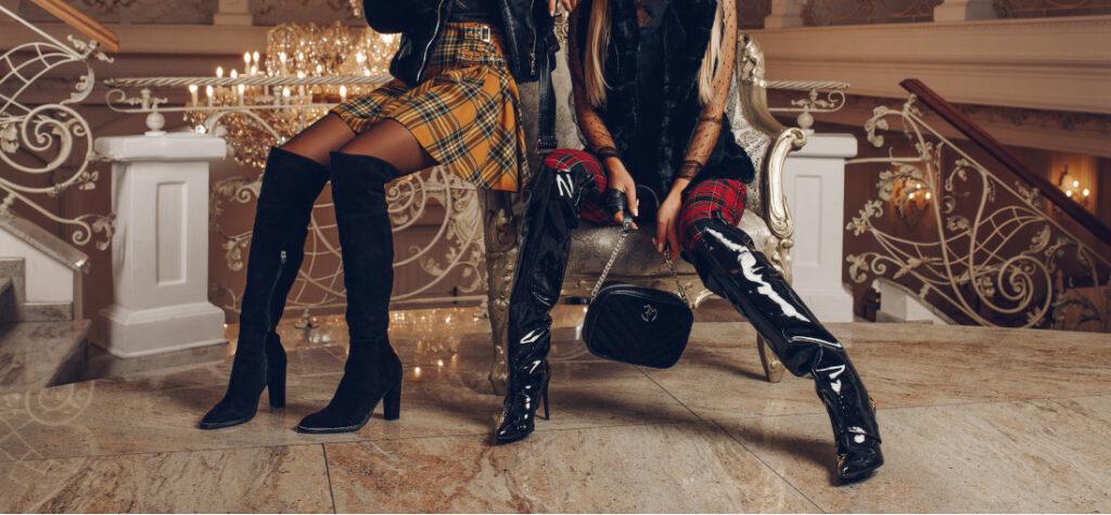 modelki w czarnych kozakach