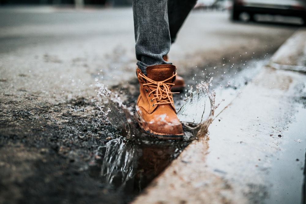 co zrobić, żeby buty nie przemokły