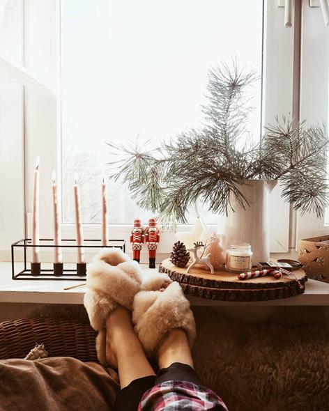 Zimowy relaks w miekkich i wygodnych kapciach damskich