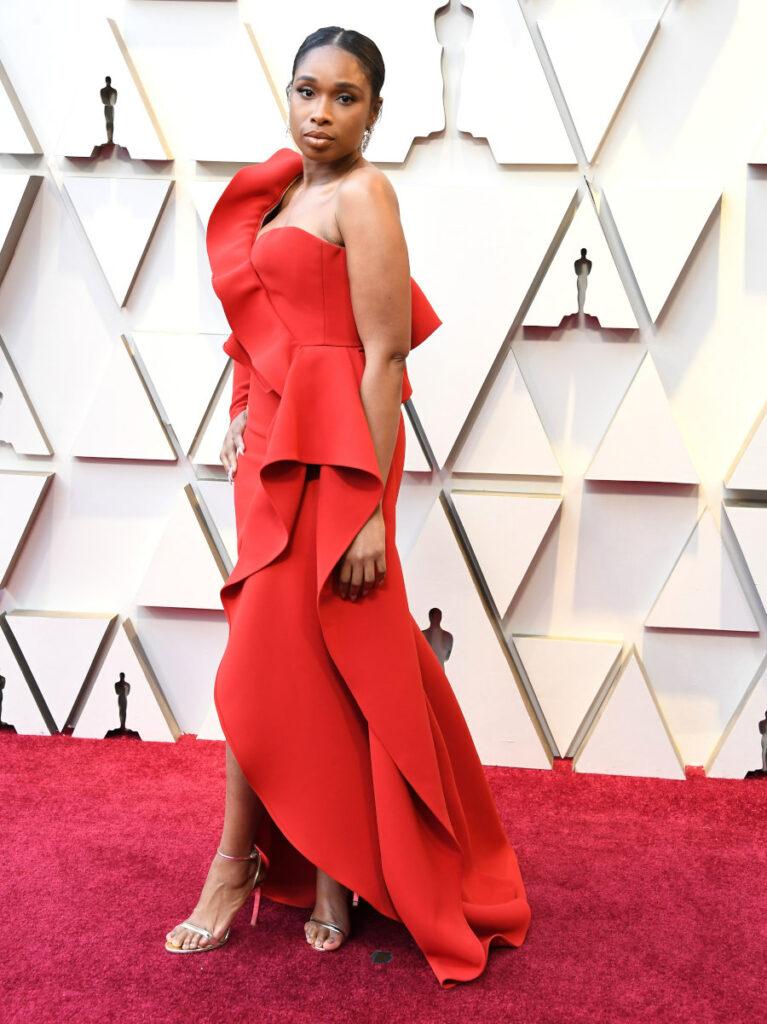Jennifer Hudson w złotych szpilkach