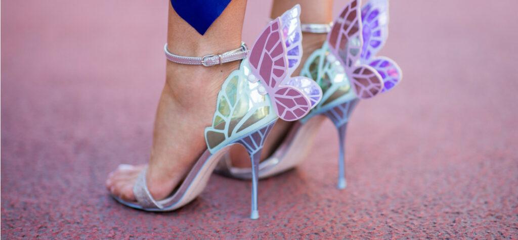 Sandały ze skrzydłami marki Sophia Webster