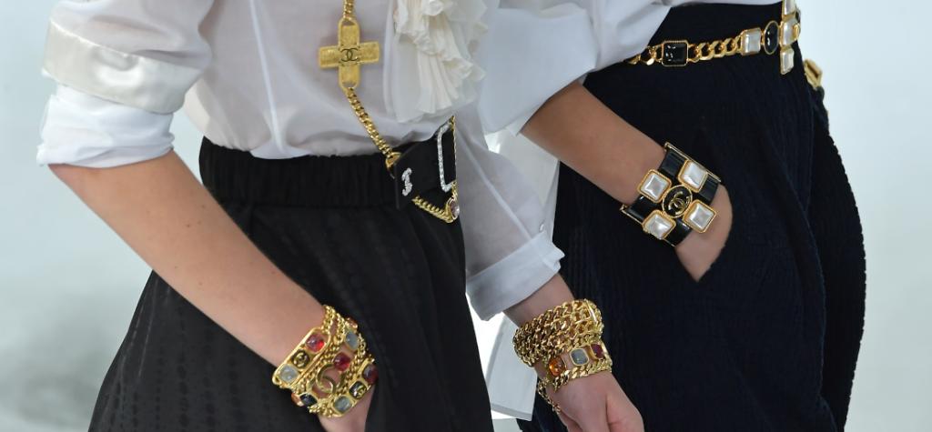 biżuteria na pokazie Chanel