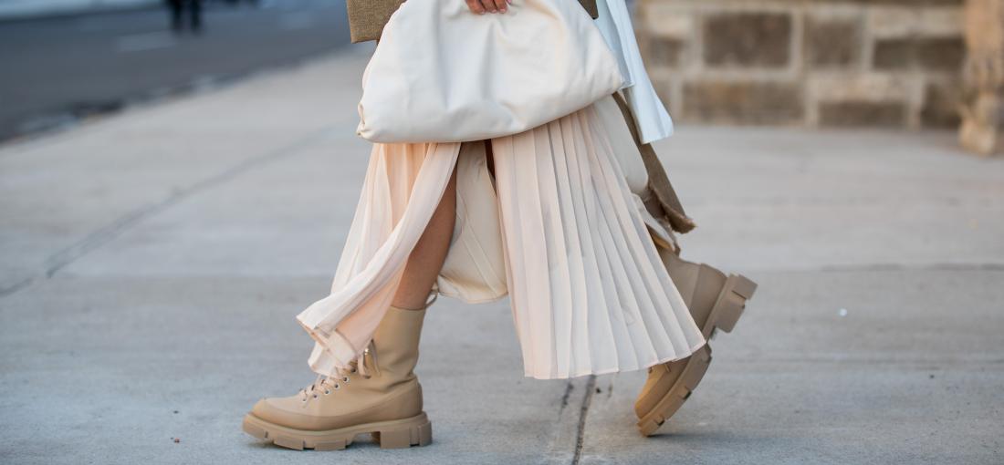 Jakie Buty Do Plisowanej Spodnicy Midi Wybrac Trendy Na Jesien 2020 Blog Eobuwie Pl