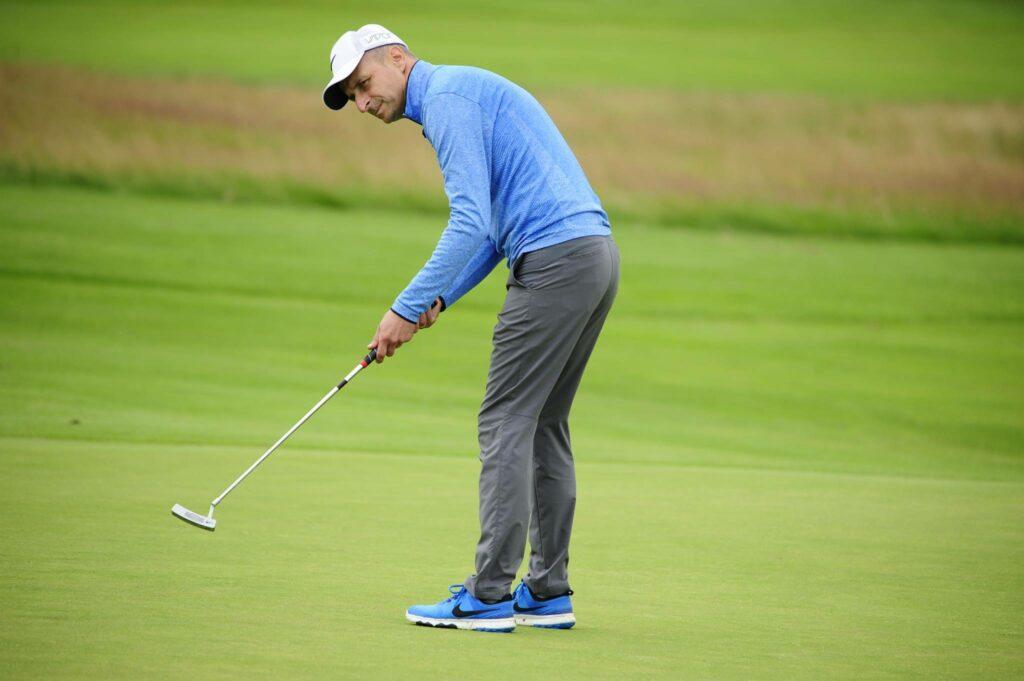 Ubranie na golfa wcale nie musi być sztywne, bo nie istnieją spisane reguły