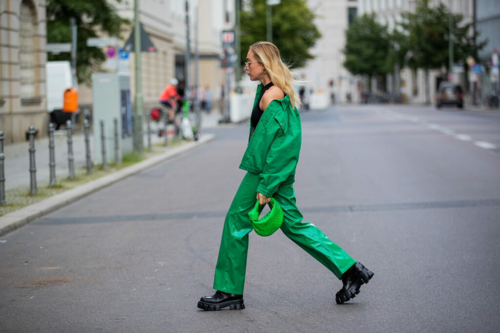 buty do zielonych spodni