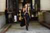 Stylizacje z czarną sukienką z wycięciami editorial